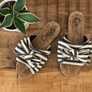 SAM EDELMAN ••••Ninette Striped Knot Slides